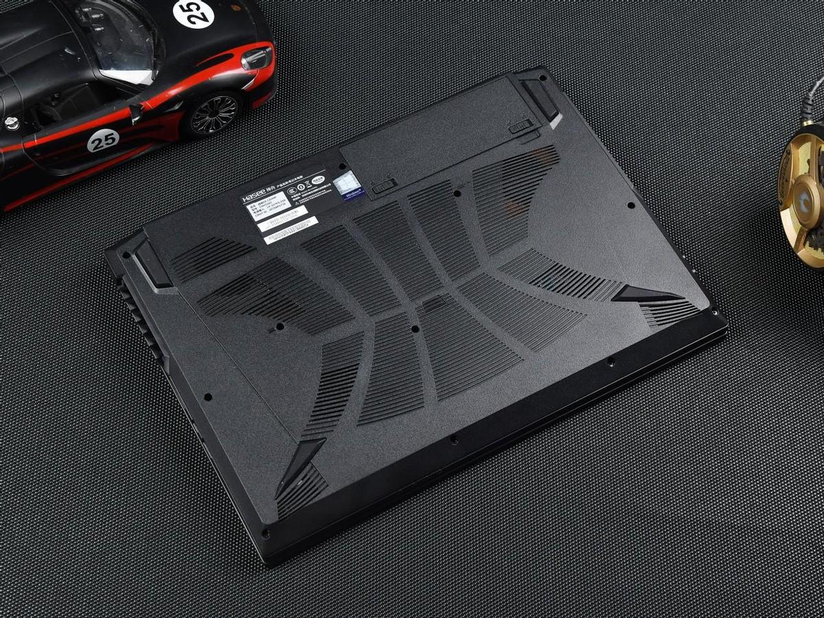 分享一台神舟RTX3050Ti游戏本:标配16G内存让人感动