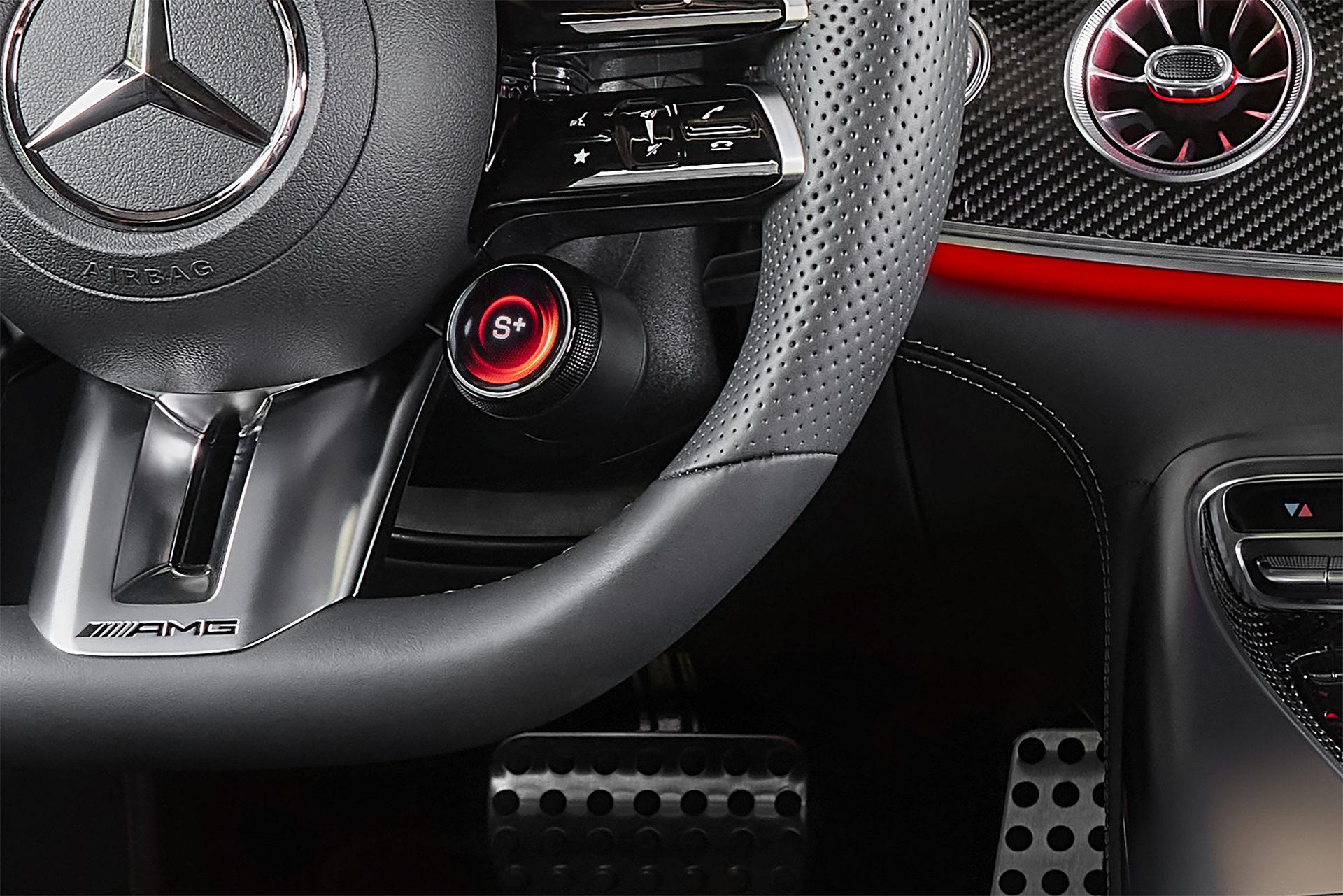 843马力2.9秒破百,奔驰AMG GT 63 E S Performance官图发布