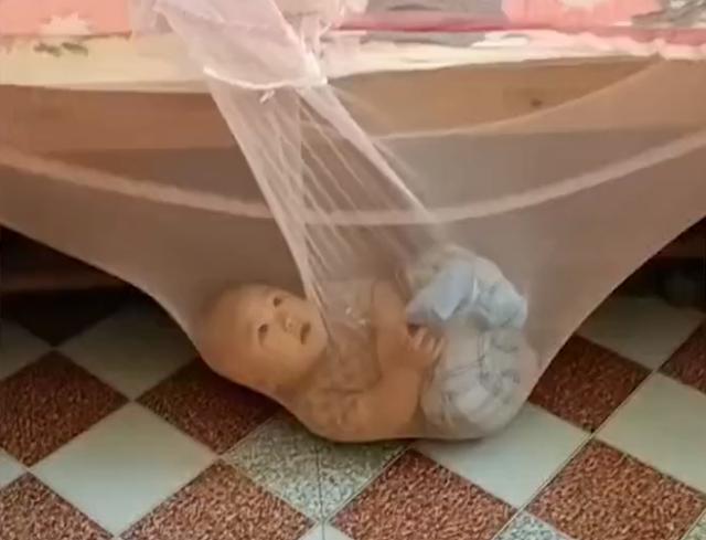 宝宝被蚊帐给兜住没摔着后,立马喜欢这款蚊帐了