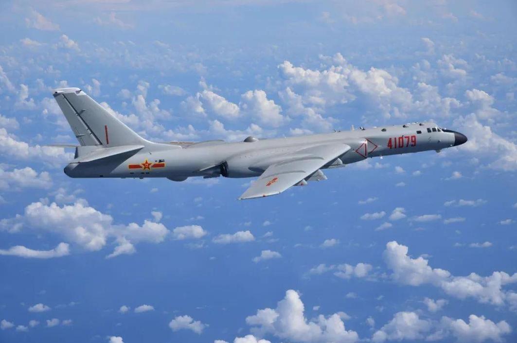 中俄战机再次联合巡航当天,王毅与俄外长打了通电话,信息量很大