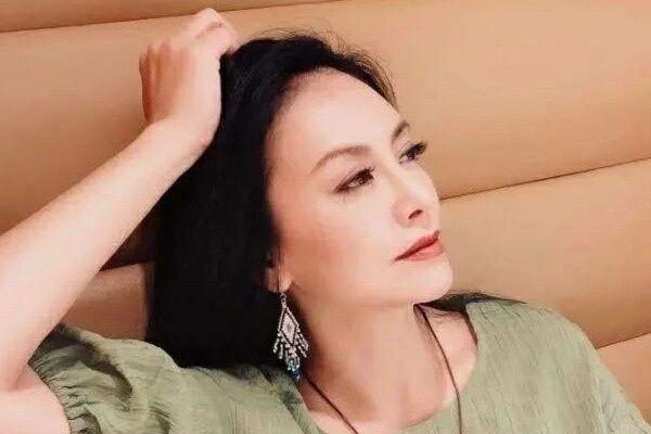 台湾的蛇蝎美人田丽嫁马景涛遭家暴,今53岁仍孤身一人