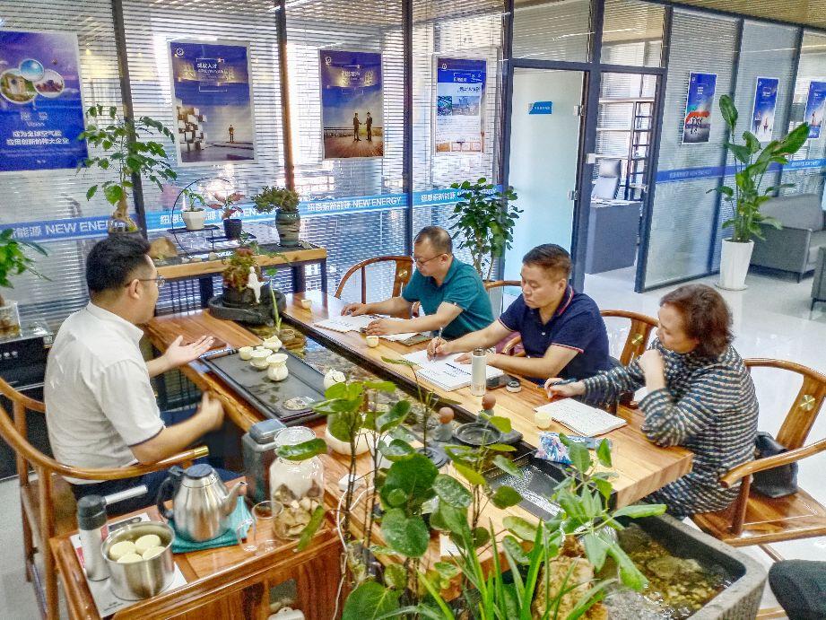 陕西省航空学会秘书长向河一行走访广东纽恩泰西北运营中心