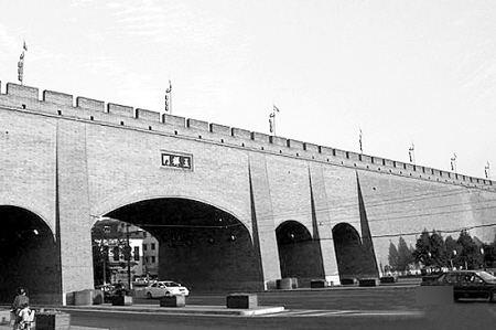 """西安城的血历史:河南""""镇嵩军""""攻城八个月,冯玉祥救了西安?"""