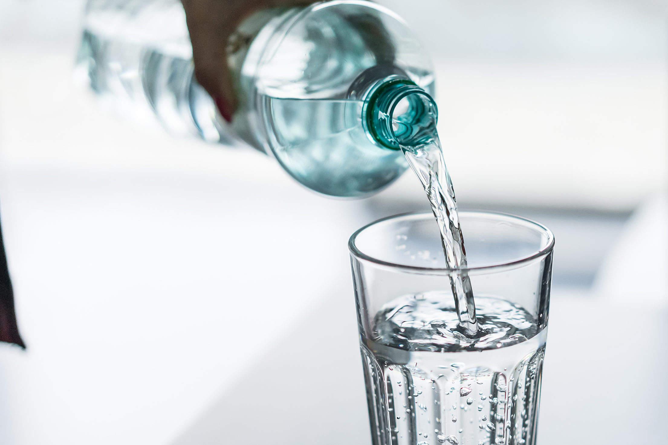 水放久了还可以饮用吗?