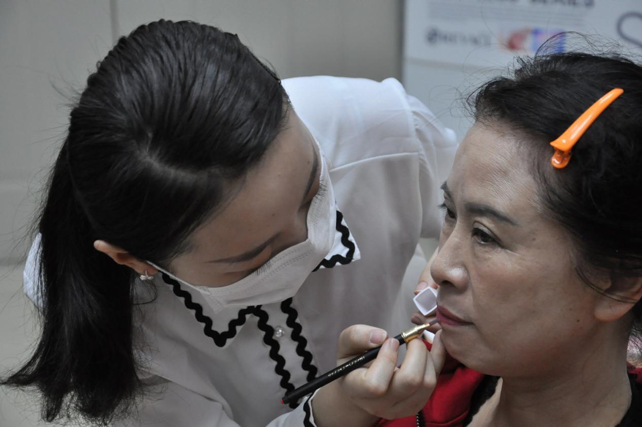 女人30岁怎样护肤才不会人老珠黄?8种产品坚持28天即可焕肤