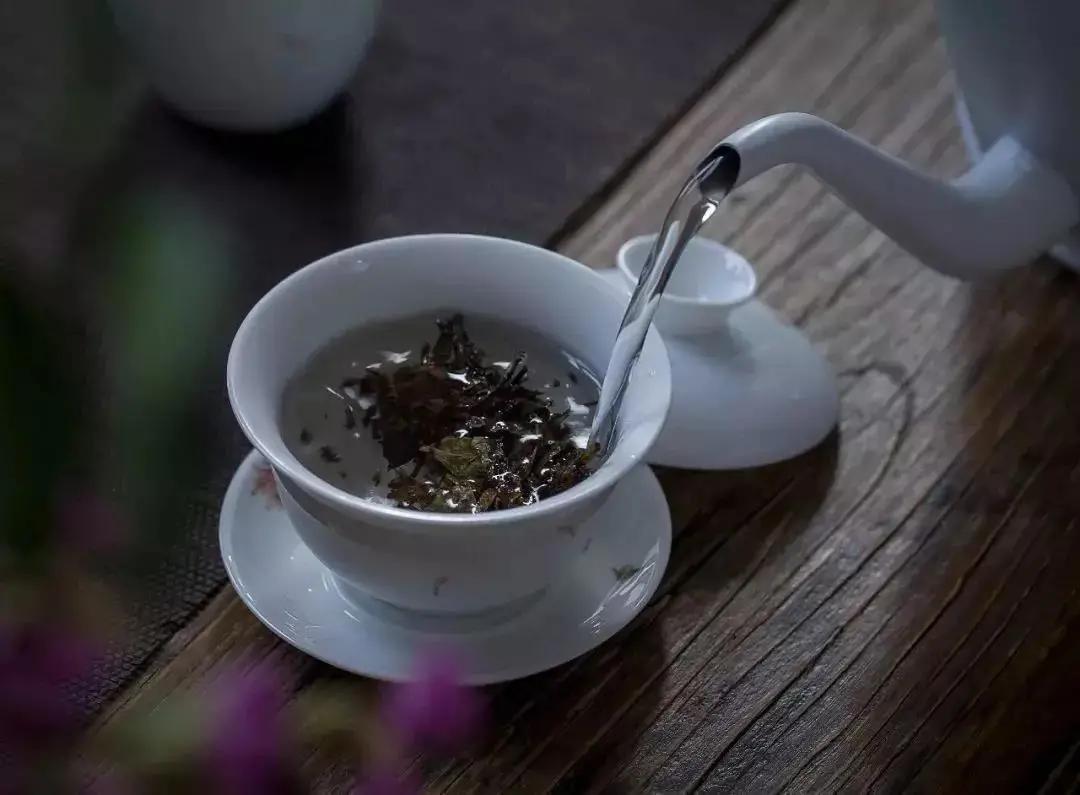 喝茶用盖碗,无论绿茶、红茶、白茶、乌龙茶