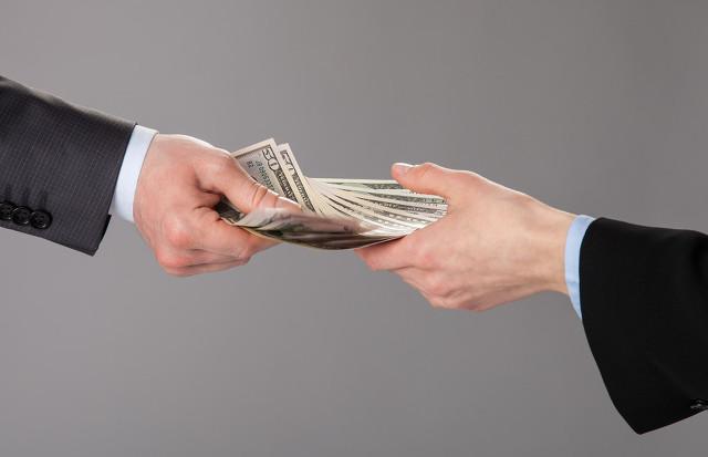 黑户贷款100万到手80万靠谱吗?是真的吗