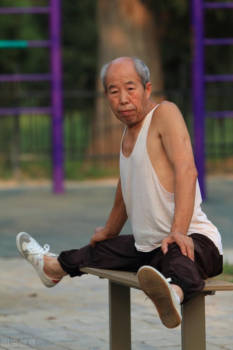 50岁后,养成4个起床习惯,健康长寿并不难