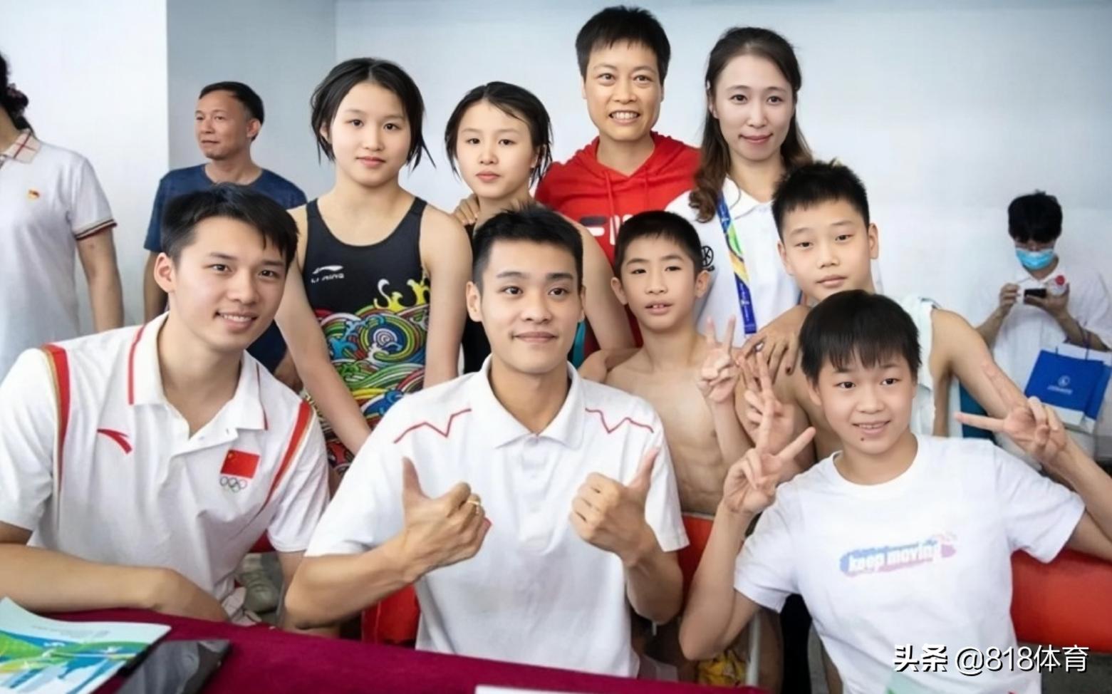 感恩!全红婵陈艾森回广州体校看望恩师,她耕耘30年造3大奥运冠军