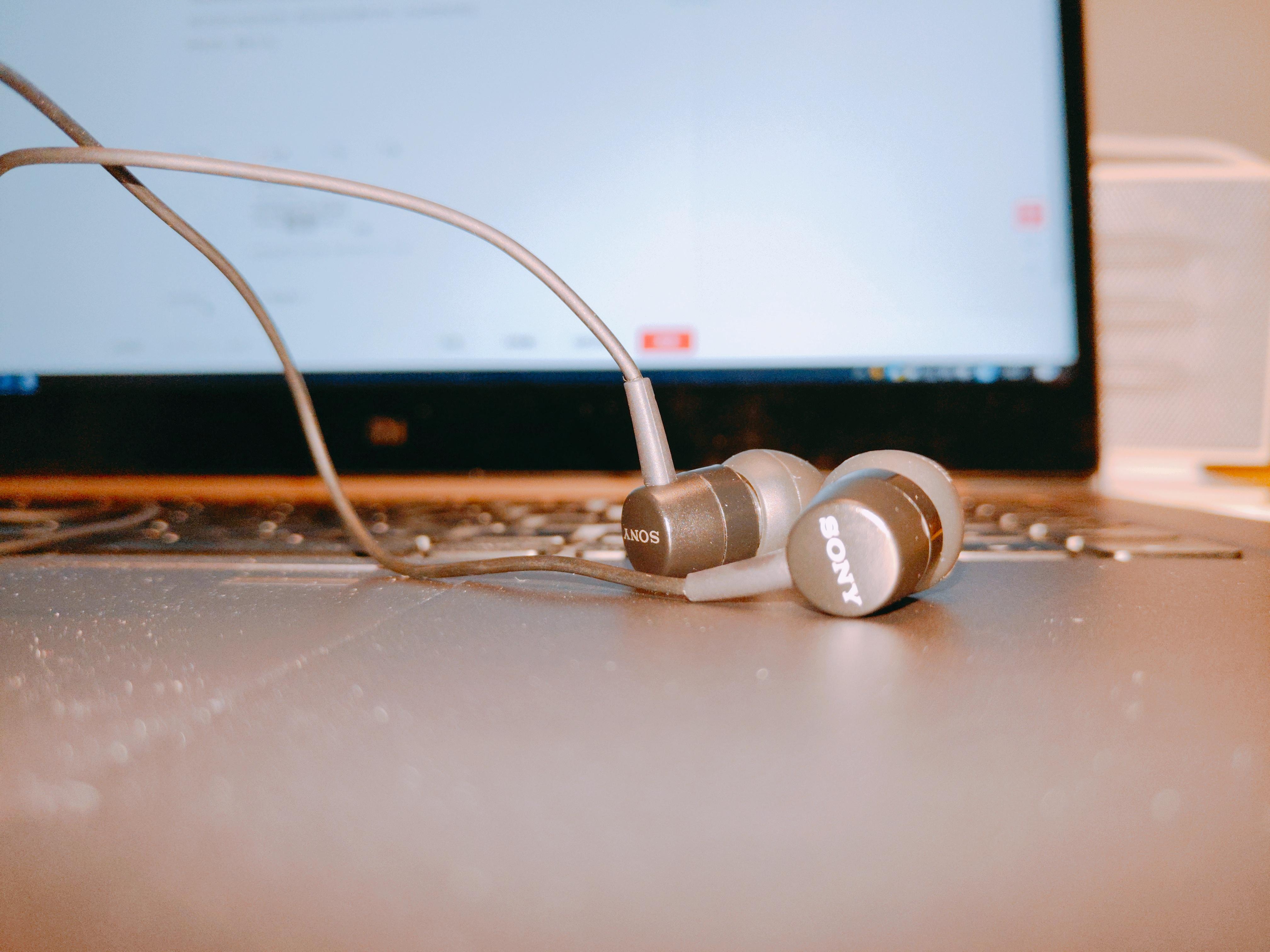 仅售29元,这条MP3时代的索尼耳机是我们今年最喜欢的产品