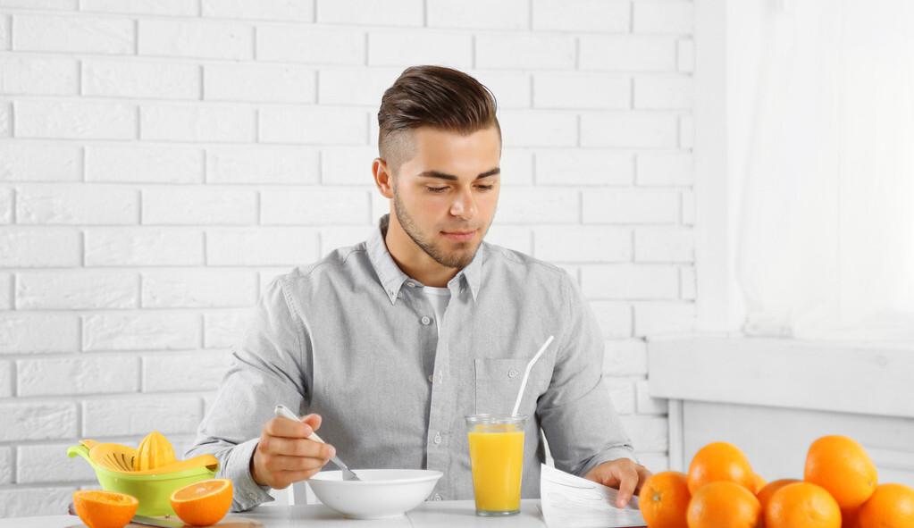 """胃不好的人,每天""""少吃多餐""""可养胃?别搞错了,看看正确的做法"""