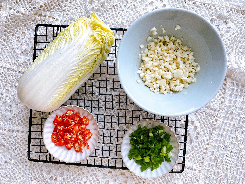 天氣熱沒胃口,試試這道菜,1分鐘就能學會,酸辣鮮香,脆爽開胃