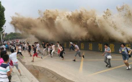 为什么钱塘江在农历八月十五潮汐最大