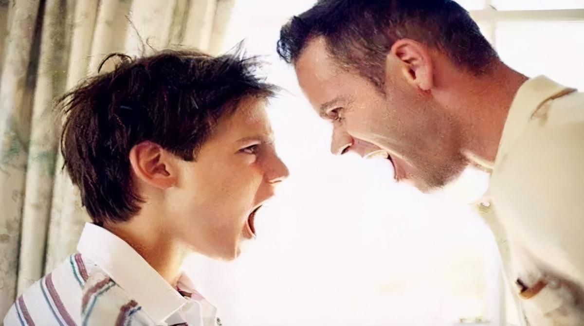 """整整三年,儿子怒目以对剑拔弩张,父亲:这是我该还的""""债"""""""