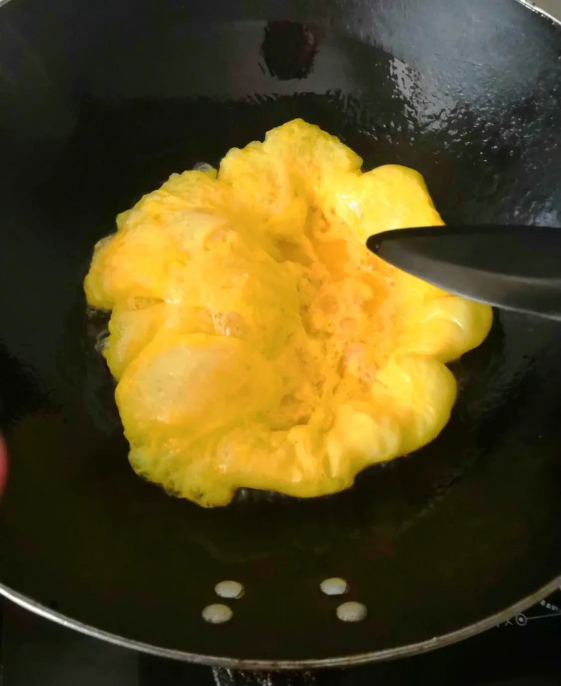 简单家常菜:韭菜炒鸡蛋 美食做法 第4张