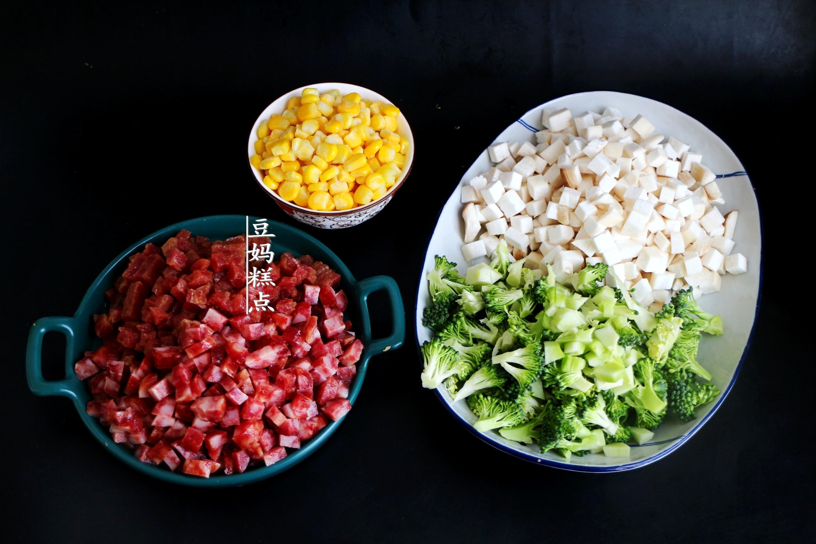 懶得做飯,就這樣燜一鍋好了,有菜有飯適合全家老小