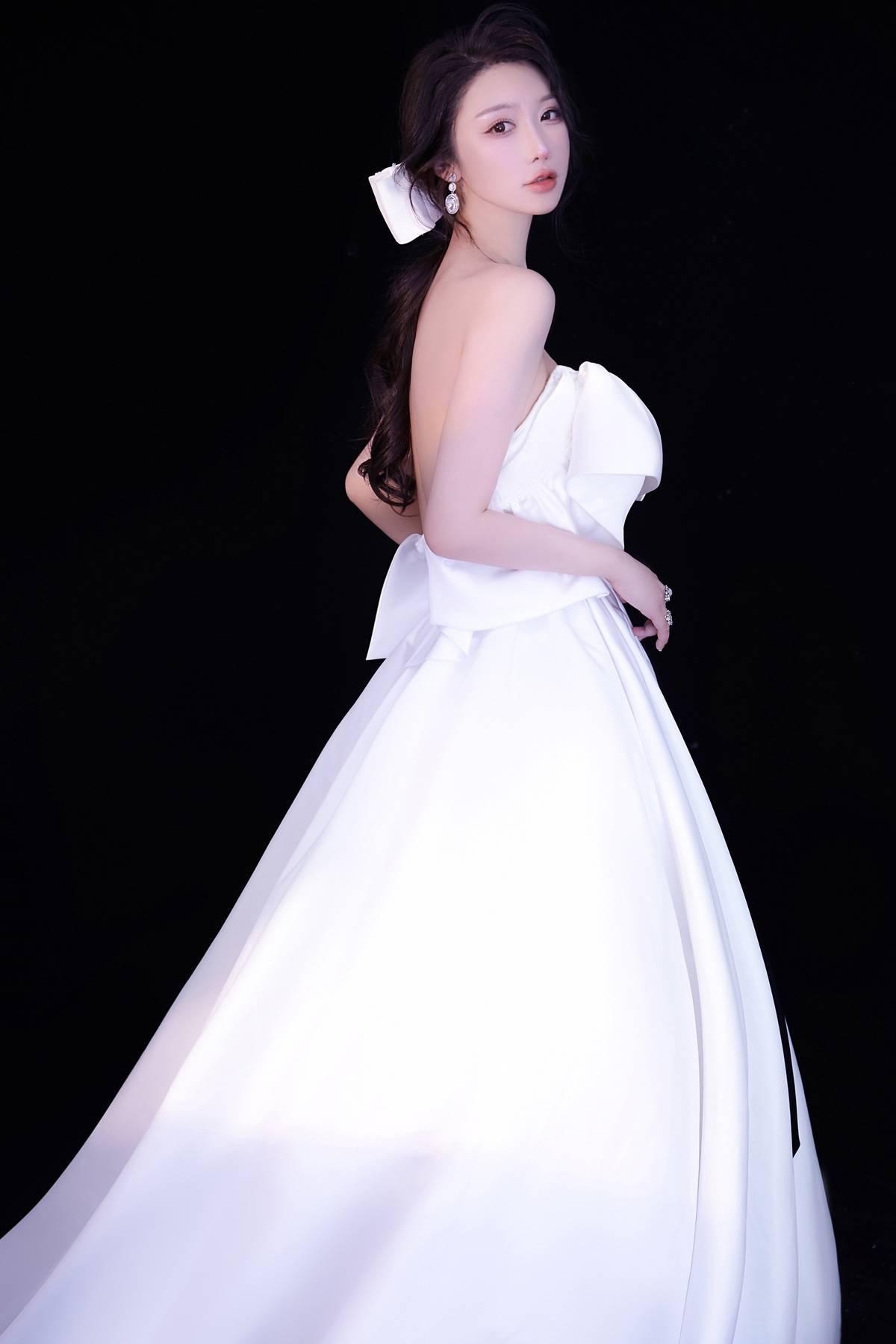 """裴希西获""""2020GSMC全球超模大赛""""上海赛区冠军"""