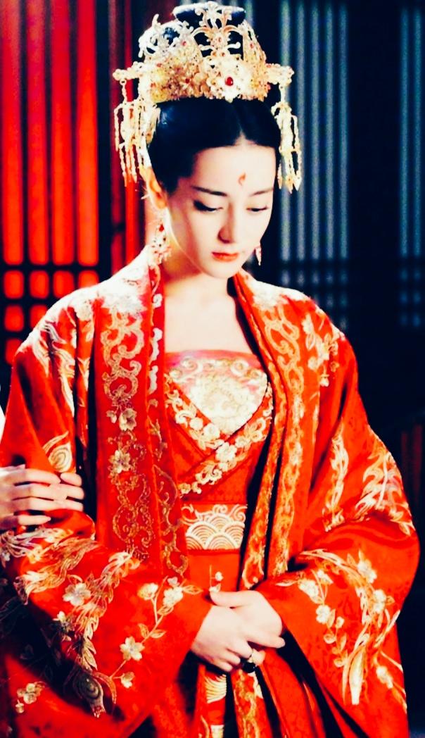 影视剧中那些回眸一笑百媚生的红衣女神,你最爱哪一个?