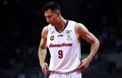 这是中国男篮的最佳阵容?网友:大致凭啥给易建联打替补?