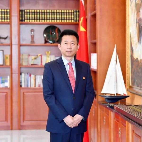 """从博士到董事长,他成功开发了""""中国芯"""",打破了欧美垄断,受到党中央、国务院的表彰"""
