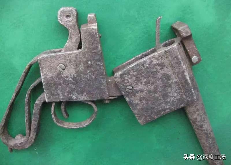 看照片才知道八路武器有多差,2把土造枪5发子弹:就敢打歼灭战