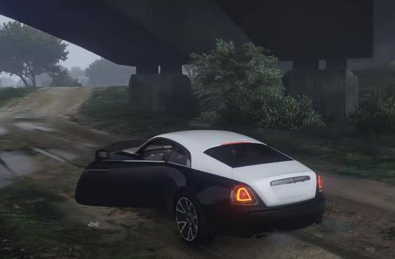 """《GTA5》下雨天开着""""劳斯莱斯""""外出露营,享受车外的雷雨声"""