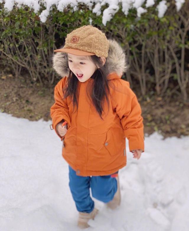 董璇4岁女儿,让人感受到了云养女儿的乐趣