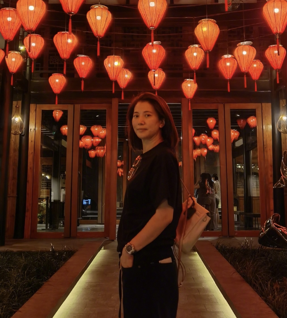 """张智霖为袁咏仪庆生,甜喊""""美女""""祝其美貌如花,自己赚钱养家"""
