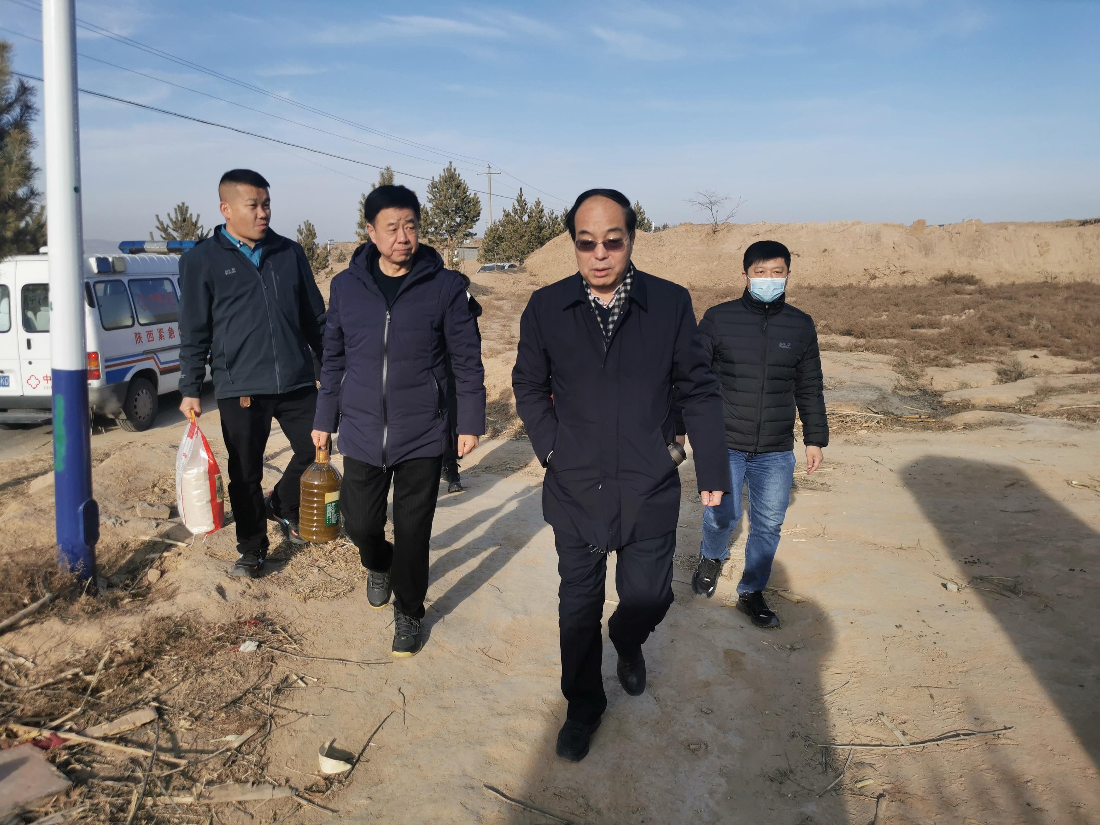 """小王地村的""""娘家人""""回来了——省二院赴对口帮扶村开展回访慰问活动"""
