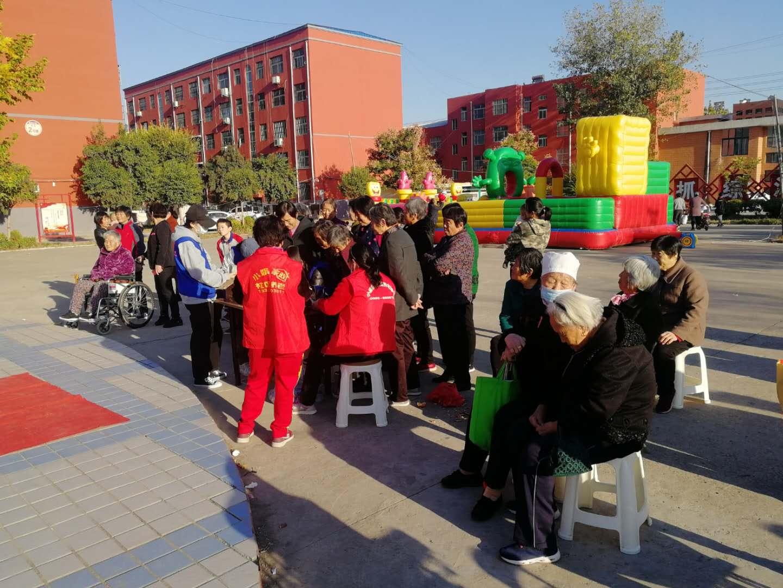 台前县民政局:九九重阳节,温暖的陪伴戏曲联欢会走进绿苑社区