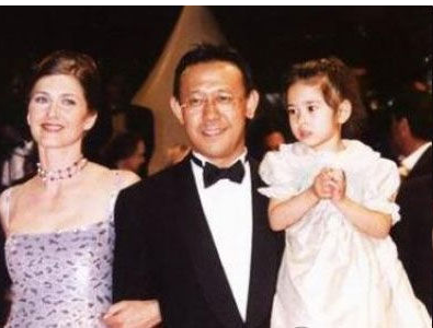 """姜文:""""我女儿是世界第一美"""",原以为吹牛,看到照片后:心动啊"""