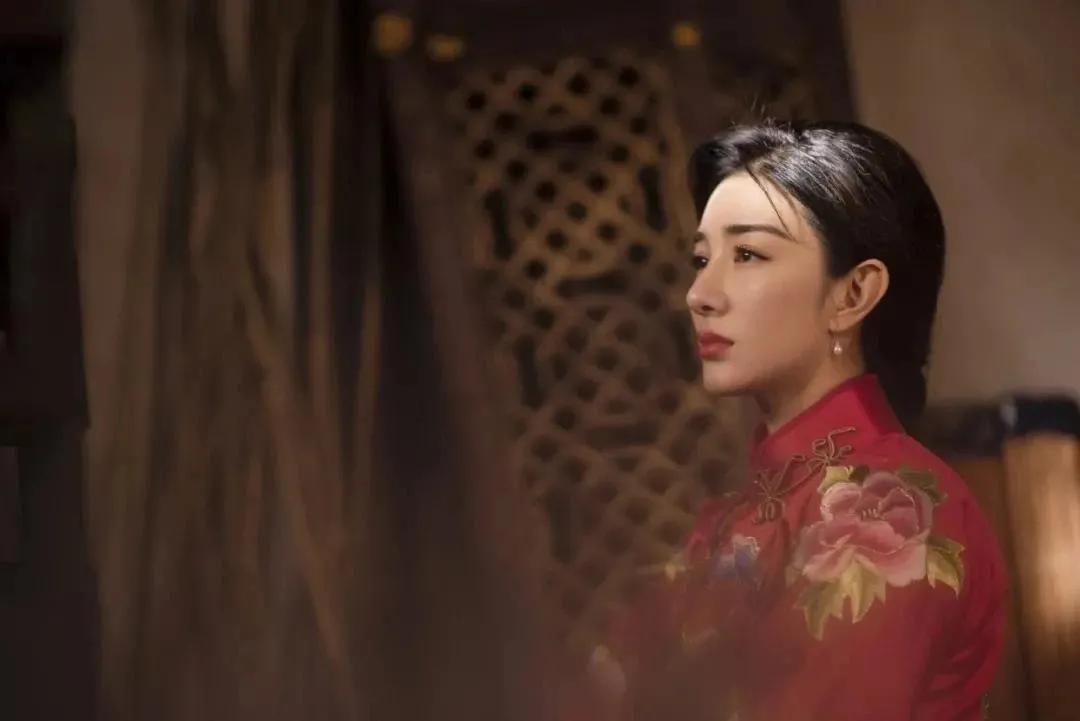 消失7年后,43岁黄奕涅槃重生:女人真正的强大,是接纳自己!