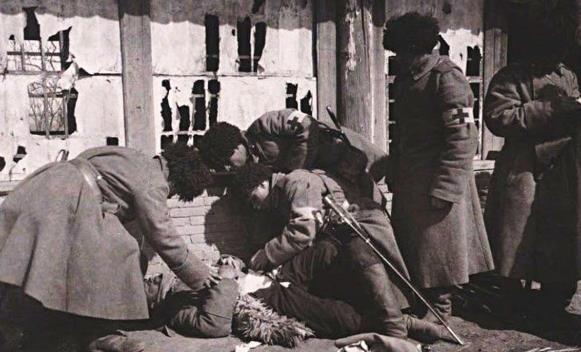 一万军队入侵中国,发现中国地大物博,两个月暴涨到七十万