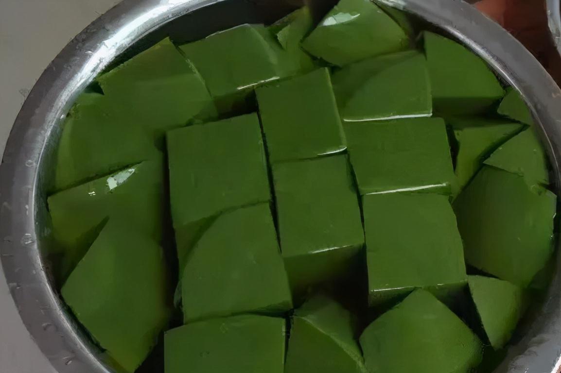 """神仙树叶:夏季做""""凉粉""""是一绝,俗称""""神仙豆腐"""",附制作方法 美食做法 第3张"""