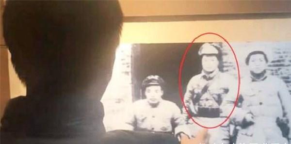 山西90岁老人:证件丢了无法证明身份,指着博物馆照片:这就是我