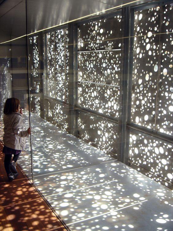 别再用现浇混凝土了,现在国外家庭都用这种代替,透明的还能发光