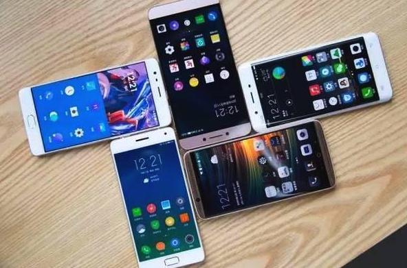 """国内手机市场黑马诞生:新系列成""""最大功臣"""",雷军坐不住了?"""