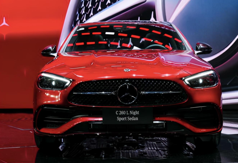 全系1.5 T售32.52万-36.92万 全新奔驰C长轴距版亮相成都车展