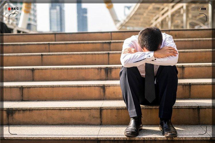 52岁创业失败者负债累累,众叛亲离、一无所有,出路在哪里呢?