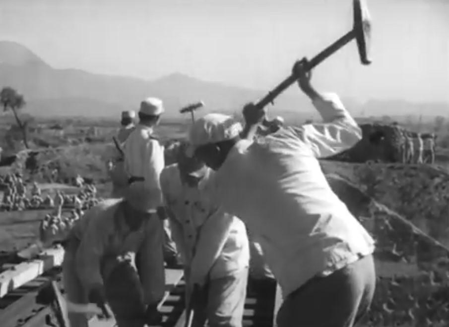 一千多颗美军炸弹被他拆了拌水泥 当警钟敲 一枪未打成为特等功臣