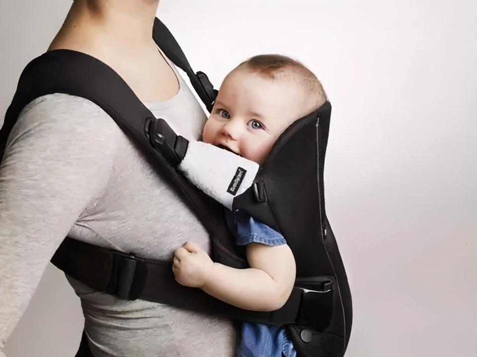 宝宝到几个月才可以坐背带腰凳,如何选购合适的婴儿背带