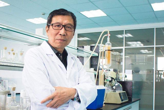 他是六神之父,中国化妆品界第一人,死磕30年只为给国货争气