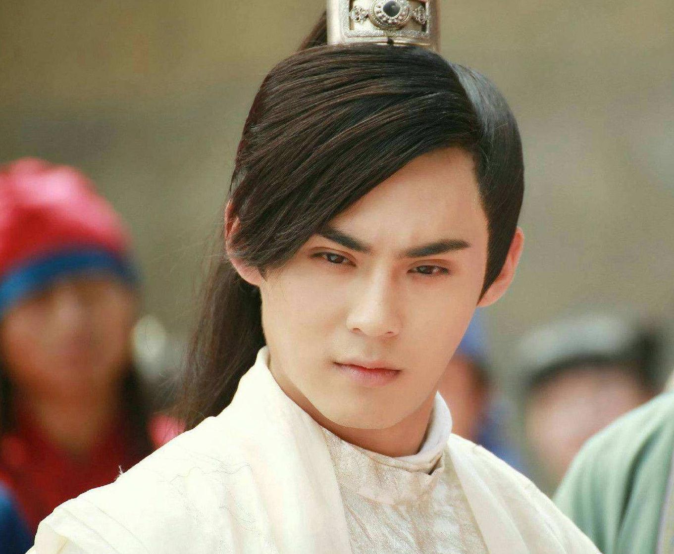 """五位""""美而不娘""""的男星,张国荣成经典,胡潇灵的美连女生都自卑"""