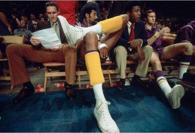 照片看NBA球員大長腿!張伯倫膝蓋以下全跟腱,Bol身體結構太神奇!