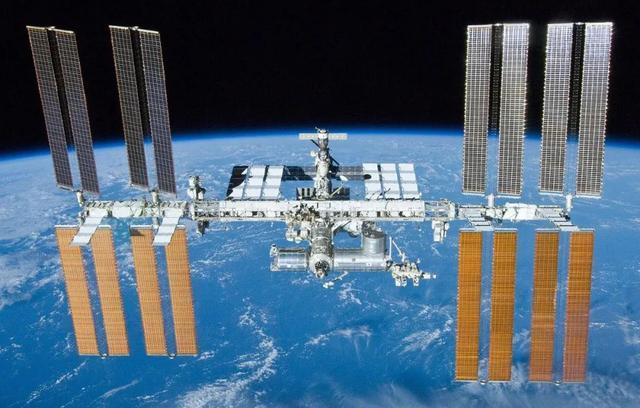 国际空间站的跨段中继设备仅仅使用了5瓦功率