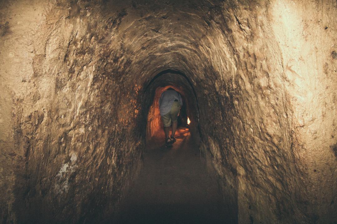 """这个入口不足1米的""""地下长城""""成美军噩梦,如今成知名景点"""