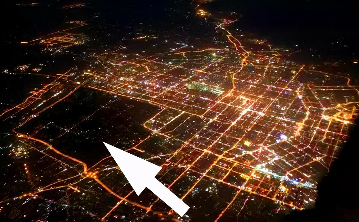"""在西安市,有一片""""城市包围农村""""的奇特景观,就是汉长安城遗址"""