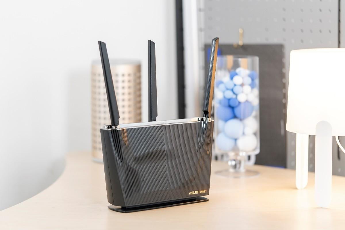 不到千元搞定全屋WiFi6 华硕全能�늫�路由AX68U视频评测