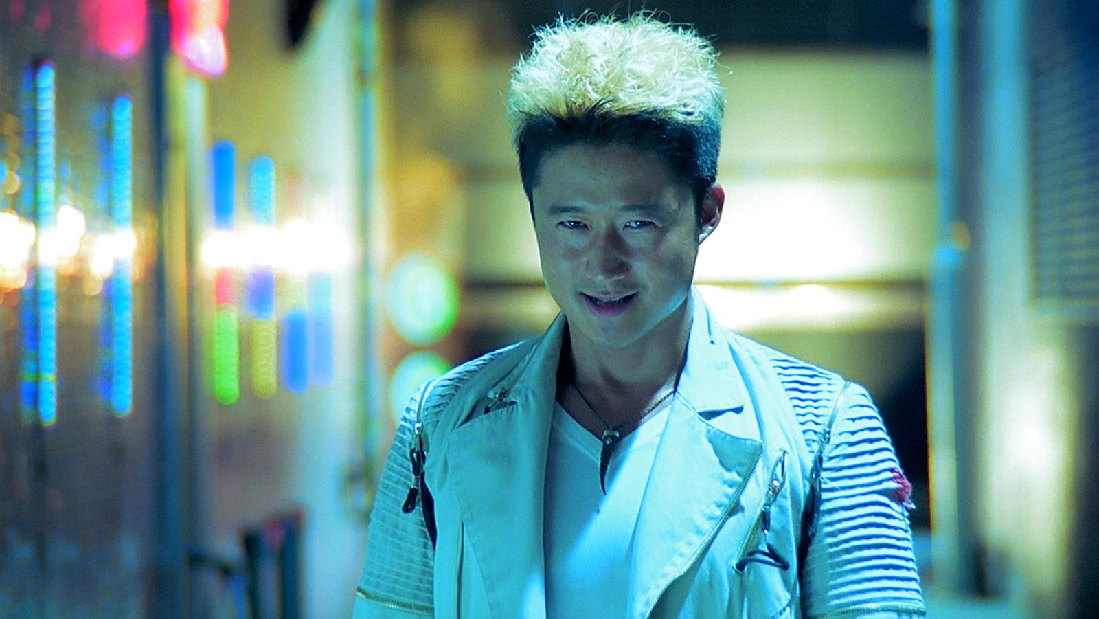 吴京和甄子丹的关系有多差?只因当年和他演对手,被打得浑身是伤