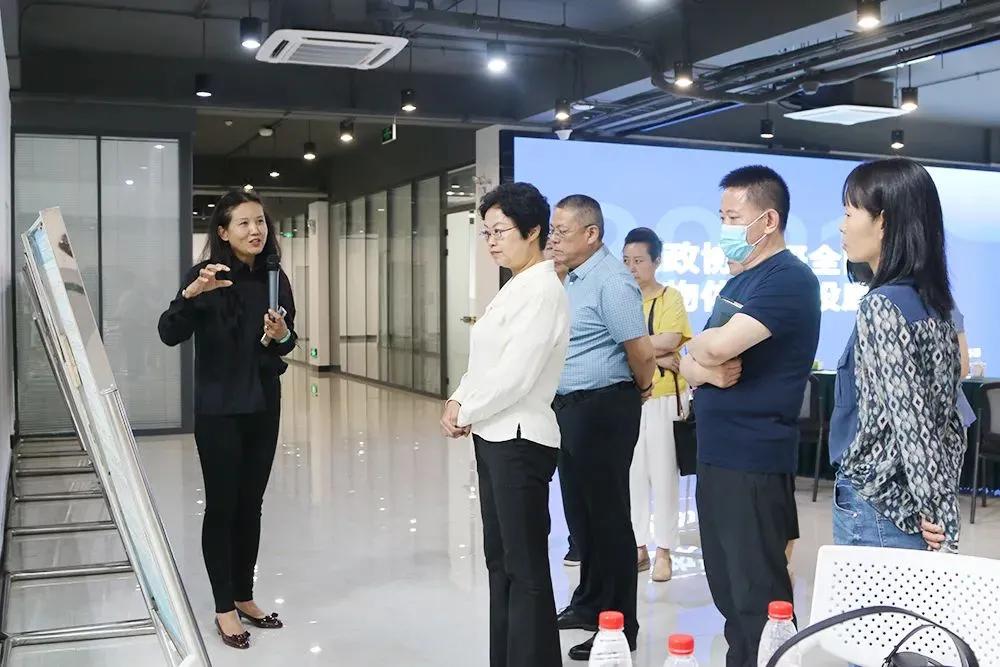 房山区政协副主席刘琼带队到海川得益调研房山区可回收物体系建设